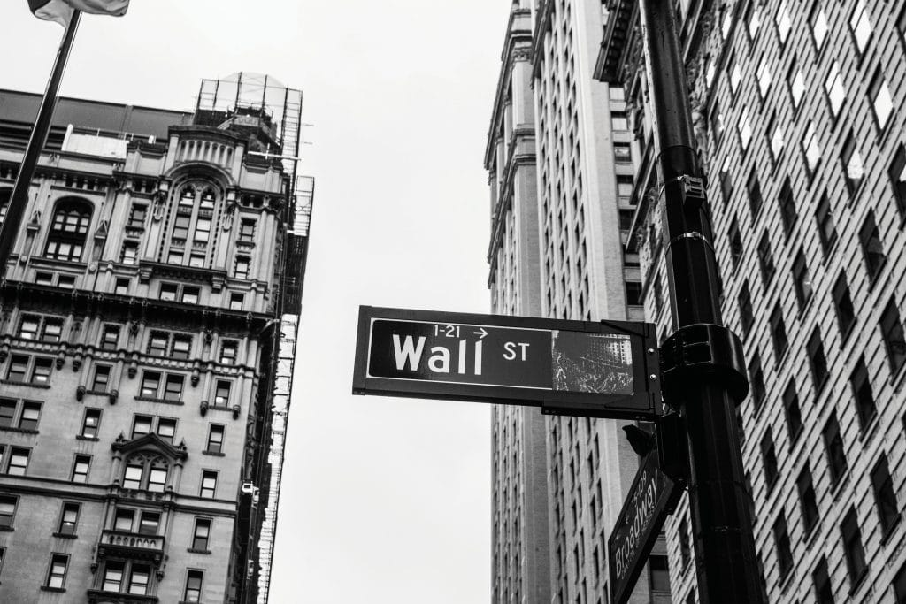 ellevest vs betterment investments